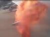 Hoảng hồn cánh máy bay bốc cháy khi đang bay