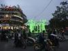 Đèn hoa 'dị' trong đài phun nước hồ Hoàn Kiếm bị dỡ bỏ