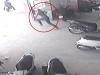 Video: Trộm xe SH cuống cuồng bỏ chạy khi bị chủ nhà phát hiện