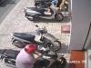 Trộm bẻ khóa 'cuỗm' xe SH dựng trước cửa ngân hàng trong nháy mắt