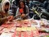 """Forbes thống kê mức chi tiêu """"khủng"""" của người Việt dịp Tết"""