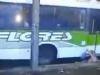 Video: Thót tim với cảnh chiếc xe bus 'hút' cô gái vào gầm