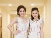 Dương Hoàng Yến, MC Thùy Linh lộng lẫy như chị em sinh đôi tại Cánh diều vàng