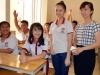 Nữ sinh bị cưa chân nhập học ở trường mới