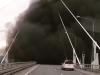 Cận cảnh tàu chiến Nga phun khói đen mù mịt trên cầu