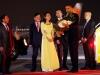 Chân dung nữ sinh Việt tặng hoa chào mừng Tổng thống Obama