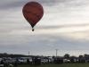 Video: Khinh khí cầu đâm vào dây điện bốc cháy, nữ du khách bỏng nặng