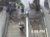 Video: Lũ lụt biến thang cuốn thành thác nước