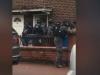 Video: Hơn chục cảnh sát đột kích nhầm nhà dân