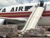 Máy bay Mỹ gặp sự cố tại sân bay Tân Sơn Nhất