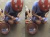 Cô gái ngồi khóc, bới sọt rác tìm vé gửi xe sau khi bị mất xe