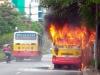 Hà Nội: Xe bus bốc cháy dữ dội sau tiếng nổ