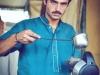 'Hot boy' bán trà bất ngờ nổi tiếng vì đẹp trai như tài tử