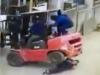 Video: Nữ công nhân bị xe hàng 4 tấn đè tử vong