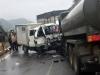 Xe chở phạm nhân va chạm xe bồn chở xăng, 6 người thương vong