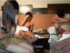 Bắt quả tang 4 đôi nam nữ đang mua bán dâm trong khách sạn