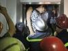 Giải cứu 5 người mắc kẹt trong thang máy lơ lửng