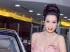 Trịnh Kim Chi lái siêu xe đi sự kiện khoe sức hút ngày càng gợi cảm