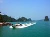 Tàu cao tốc va chạm xà lan trên biển Vân Đồn, nhiều hành khách bị thương