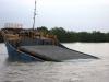 Tìm thấy 3 thuyền viên sà lan QN 8359 bị nạn trên vùng biển Bạch Long Vỹ