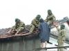 Kinh hoàng lốc xoáy tốc 40 nhà dân ở Quảng Ngãi