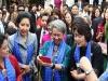 Phu nhân lãnh đạo cấp cao dự APEC 2017 selfie  trên phố cổ Hội An