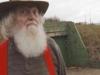 'Lão điên' bị mắng chửi vì đem chôn 42 chiếc xe buýt, sau 35 năm không ai có thể tin vào mắt mình khi ghé thăm cái hố này
