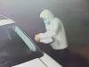 Chưa đầy 1 phút, 'gương tặc' đã vặt trộm cả cặp kính chiếu hậu của xế sang tiền tỷ