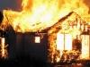 Vụ cháy khiến bé trai 2 tuổi tử vong: Cha đã trùm chăn nhúng nước bảo vệ nhưng cậu bé vẫn qua đời do quá yếu