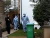 Vừa tìm thấy thi thể 3 bố con ở bờ biển, cảnh sát lại phát hiện người vợ chết ngay tại nhà với nhiều vết đâm