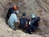 Cứu sống cặp vợ chồng bị chôn sâu hơn 2 m trong gần 1 giờ