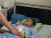 Quảng Ninh: Bé 6 tuổi vỡ đầu, đứt đôi tuỵ, vỡ gan vì chậu cây cảnh đổ vào người