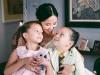 Hồng Nhung livestream cùng con gái, hé lộ cuộc sống sau khi ly hôn với chồng Tây 8 năm gắn bó