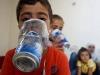 24h qua ảnh: Sợ tấn công hóa học ở Idlib, dân Syria tự chế mặt nạ phòng độc