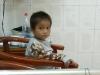 Hà Giang: Cậu bé 6 tuổi ngủ ngoài đường vì mẹ đi lấy chồng đã hồi phục sức khỏe