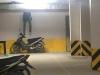 Nam thanh niên chết lặng với cảnh tượng trước mắt trong hầm xe chung cư