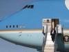 Hé lộ lý do Trump 'lệnh' tháo hết ghế trên Không Lực Một