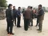 Giao dịch chớp nhoáng giữa người xưng thương binh và dân 'phe vé' ngoài cổng liên đoàn