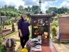 NSND Hồng Vân đến thăm mộ, kể về ước nguyện lúc sinh thời của Anh Vũ