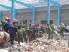 Đình chỉ thi công để điều tra vụ sập tường khiến 6 người tử vong ở Vĩnh Long