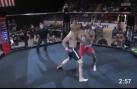 Mất 4 giây cùng 1 cú đấm, võ sĩ người Mỹ khiến đối thủ bất tỉnh