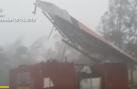 Sức mạnh khủng khiếp của siêu bão Mangkhut khi quét qua đảo Guam