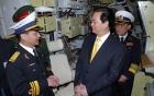 Chùm ảnh: Thủ tướng thăm tàu ngầm Kilo mang tên Hà Nội