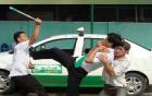 Không tìm được việc làm, 3 thanh niên cướp taxi