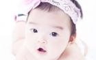 Xuân Lan tung clip khoe con gái 17 tháng đã bơi lội điêu luyện 2