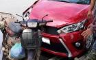 Đâm Honda Dream, Toyota Yaris vỡ đầu