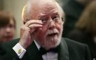 Đạo diễn kiêm diễn viên Richard Attenborough nổi tiếng qua đời
