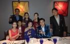 Vũ Hoàng Việt và bồ già tỉ phú tổ chức tiệc linh đình bên người thân