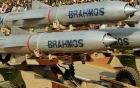 Ấn Độ sắp bán tên lửa siêu thanh, tiêm kích cho Việt Nam
