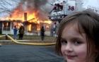 """Sự thật phía sau tấm ảnh """"Cô gái thảm họa"""" mỉm cười gian tà trước đám cháy"""